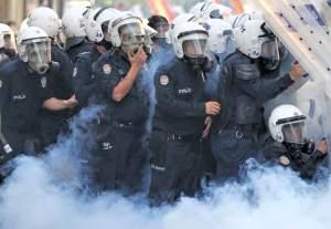 polis_gaz_saldiri