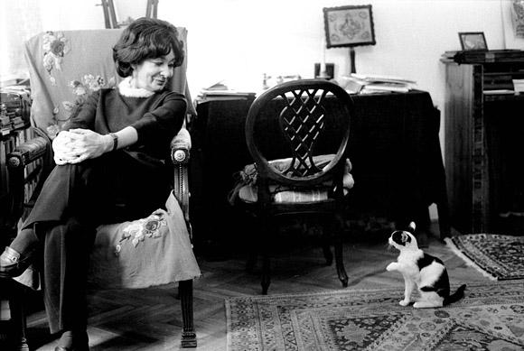 Budapest, 2007. november 19. Kilencvenéves korában elhunyt Szabó Magda Kossuth-díjas és kétszeres József Attila-díjas író. Felvételünk 1977. október 3-án készült otthonában. MTI Fotó: Molnár Edit